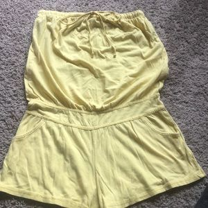 Little cotton romper. Pastel yellow